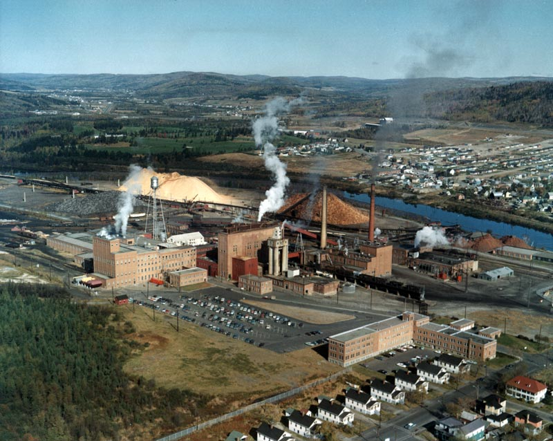 The Edmunston Fraser Paper Mill in 1965, a golden era of logging and chimney smokeAmerique Francaise
